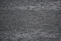 Hintergrund des Wasserfalles Stockbild