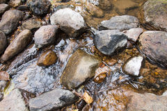 Hintergrund des Wassers und des Steins Lizenzfreies Stockbild