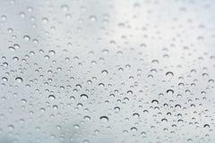 Hintergrund des Wassertropfens auf weißen Schatten Lizenzfreies Stockfoto