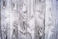 Hintergrund gemacht vom Holz Beschaffenheit auf einem alten weißen Zaun stockfoto