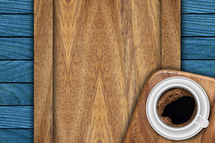 Hintergrund gemacht von den Planken und vom Kaffee Lizenzfreies Stockbild