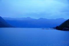 Hintergrund - Kotor-Bucht Stockbild