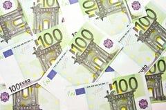 Hintergrund mit 100 EUROrechnungen Lizenzfreies Stockbild