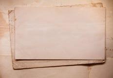 Hintergrund mit alten Papieren und Buchstaben Lizenzfreies Stockfoto