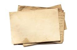 Hintergrund mit alten Papieren und Buchstaben Lizenzfreies Stockbild