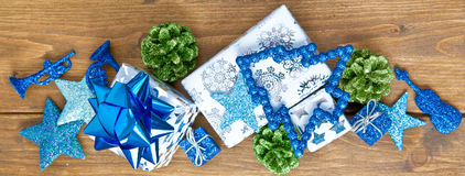 Hintergrund mit bunter Weihnachtsdekoration Stock Photos
