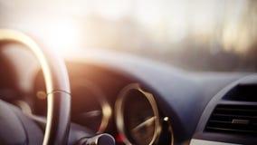 Hintergrund mit dem Armaturenbrett des Autos stockfotos