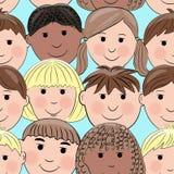 Hintergrund mit den lächelnden Gesichtern, multikulturell Stockfotografie