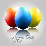 Hintergrund mit glücklichen bunten Eiern Lizenzfreies Stockfoto
