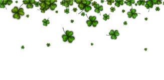 Hintergrund mit grünen drei-leaved Shamrocks stock abbildung
