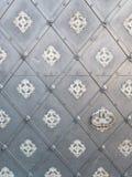 Hintergrund mit grauer Metalltür Stockfotos