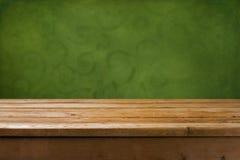 Hintergrund mit hölzerner Tabelle Stockfotos