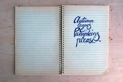 Hintergrund mit Herbsttext Stockfotos