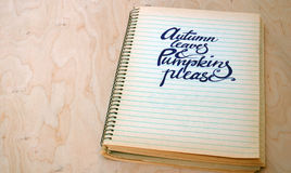 Hintergrund mit Herbsttext Lizenzfreies Stockfoto