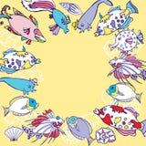 Hintergrund mit multi farbigen Fischen Lizenzfreie Stockfotografie