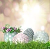 Hintergrund mit Ostereiern Lizenzfreies Stockbild