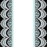 Hintergrund mit Streifen der Spitzes und der Perlen Lizenzfreies Stockbild