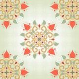 Hintergrund mit symmetrischen mit Blumenelementen Lizenzfreies Stockfoto