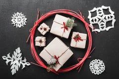 Hintergrund Moderne Art Ursprüngliche Geschenke für Winterurlaube Raum für Parteien für Weihnachten und Neujahrsbotschaften Stockbilder