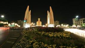 Hintergrund: Nachtszene des Demokratiedenkmales Lizenzfreies Stockbild