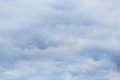 Hintergrund und Beschaffenheit Glättung von bewölkten Wolken im Überfluss Lizenzfreie Stockbilder