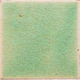 Hintergrund und Beschaffenheit von Dehnungsstreifen knackten auf Smaragdgrün Lizenzfreies Stockbild