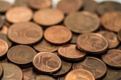 Hintergrund voll von Eurocents, Kupfermünze Stockbild