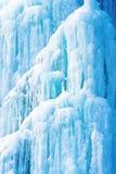 Hintergrund vom Eis und von den Eiszapfen Stockbild
