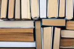 Hintergrund von den alten und benutzten Büchern des gebundenen Buches Lizenzfreies Stockbild