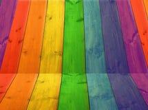 Hintergrund von den Brettern in den Farben des Regenbogens Lizenzfreie Stockfotografie