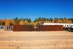 Hintergrund von den bunten großen Kunststoffrohren benutzt an der Baustelle Lizenzfreies Stockfoto