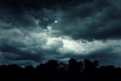 Hintergrund von dunklen Wolken Lizenzfreies Stockbild