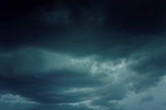 Hintergrund von dunklen Wolken Lizenzfreies Stockfoto