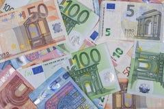 Hintergrund von Euroanmerkungen von verschiedenen Werten Stockbild