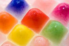 Hintergrund von farbigem konischem Eis Stockfotografie