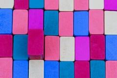 Hintergrund von farbigen Holzklötzen Stockbild