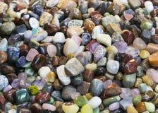 Hintergrund von farbigen Steinen des Üblichen Stockfoto