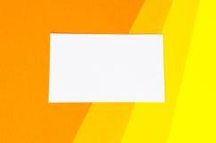 Hintergrund von geometrischen Formen des farbigen Papiers Stockfotos
