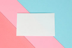 Hintergrund von geometrischen Formen des farbigen Papiers Lizenzfreie Stockfotografie