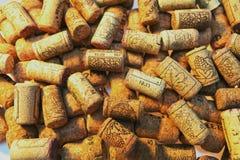 Hintergrund von Korken von Weinflaschen Stockbild