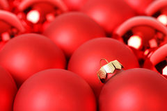 Hintergrund von roten Bällen der Gruppe Weihnachts Stockfotos