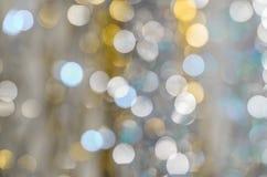 Hintergrund von stark unscharfen Lichtern von Girlanden Lizenzfreies Stockbild