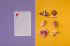 Hintergrund von zwei Farben mit Zusammensetzung Lizenzfreies Stockfoto