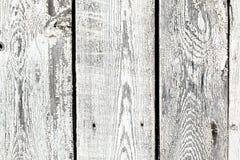 Hintergrundbeschaffenheit des alten Weiß malte hölzerne Futterbrettwand Stockfoto