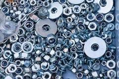 Hintergrundbeschaffenheit von sortierten Bolzen und von Waschmaschinen lizenzfreies stockfoto