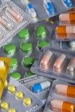 Hintergrundcollage von bunten Pillen und Kapseln des modernen medi Lizenzfreie Stockfotografie