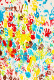 Hintergrundfarben. Gemalte Hände stockfotos