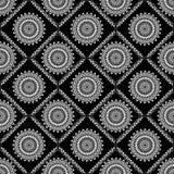 Hintergrundfliese mit feinen Spitzemustern im Weiß und im Schwarzen Stockbilder