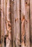 Hintergrundholzbeschaffenheit Verwitterte Holzoberfläche einer Scheunenwand Stockfoto