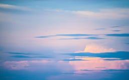 Hintergrundsonnenunterganghimmel Stockfoto